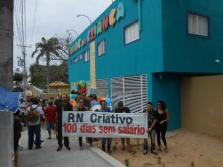 Protesto do RN Criativo na abertura da Cid da Criança